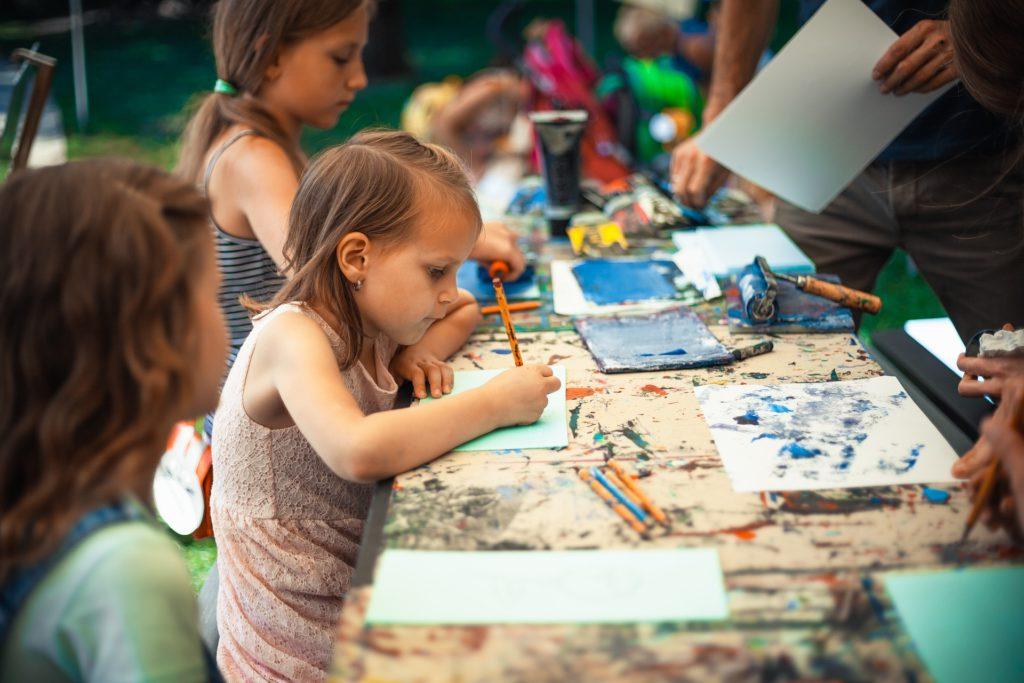 Dziecięca kreatywność (zdjęcie z domeny publicznej)